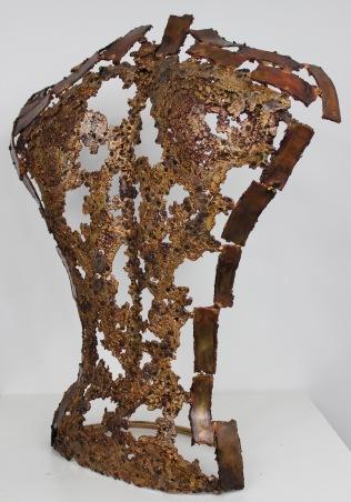 Sculpture de Philippe Buil en metal : dentelle de bronze Dos Kouros Vin de paille Piece unique