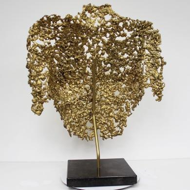 Sculpture de Philippe Buil en metal : dentelle de bronze recouvert à la feuille d'or 24 carats Buste de Femme Belisama it's only gold Piece unique