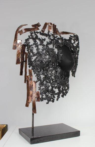 24 buste belisama bronze acier cuir noir Herveline 2