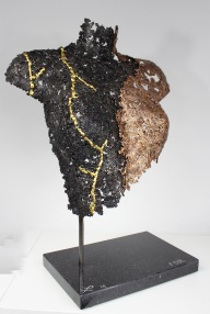 32 Lucy kintsugi sculpture acier bronze or 2