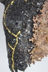32 Lucy kintsugi sculpture acier bronze or détail