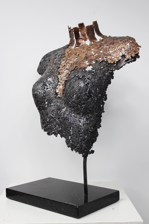 Relativ 43-bellisama-hiltrude-sculpture-acier-bronze-philippe-buil-1  IA84