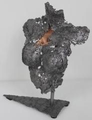 2-pavarti-leona-sculpture-philippe-buil-metal