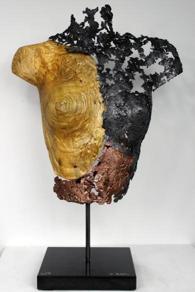 Sculpture de Philippe Buil en dentelle de Bronze et d'acier et Bois Socle en marbre Belisama Tula Hauteur 59 cm 6 Kg Piece unique