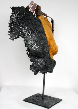 Sculpture de Philippe Buil en dentelle de Bronze et d'acier et Bois Socle en dentelle d'acier Belisama Alexandra Hauteur 56 cm 4 Kg Piece unique