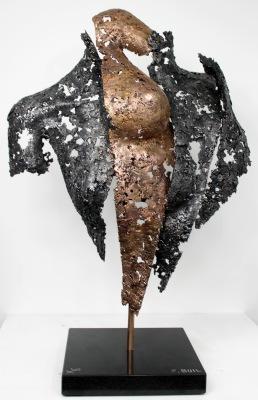 Sculpture de Philippe Buil en metal : dentelle d'acier et bronze Connect the first Hauteur 59 cm 8 Kg Piece unique