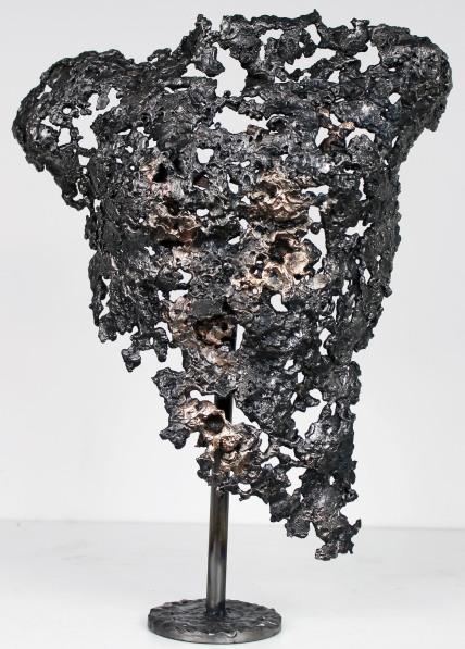 Torse d'homme en métal : dentelle de bronze et d'acier Pavarti Aslais Pièce unique