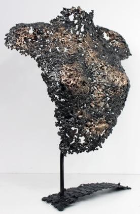 Sculpture de Philippe Buil en metal : dentelle d'acier et de bronze Buste de Femme Belisama Lelia Piece unique