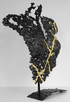 Sculpture de Philippe Buil en metal : dentelle d'acier et feuilles d'or 24 carats Buste Femme Belisama Eden Piece unique