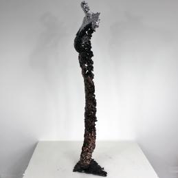 Sculpture représentant une silouhette de femme en métal : dentelle de Bronze, d'acier avec effet Chrome Pavarti Nevee Pièce unique
