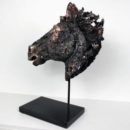 Sculpture de Philippe Buil en metal Dentelle de bronze et d'acier représentant une tête de cheval Piece unique
