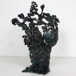 Sculpture représentant le buste d'une femme en métal : dentelle d'acier; Effet couleur turquoise par l'application d'encres. Pavarti Turquoise Pièce unique
