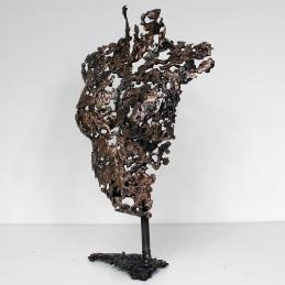 Sculpture représentant un buste de femme en métal : dentelle de bronze et d'acier Pavarti Duo Pièce unique