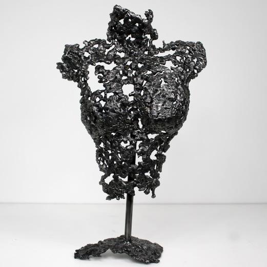 Sculpture représentant le buste d'une femme en métal : dentelle d'acier Pavarti une goutte Pièce unique