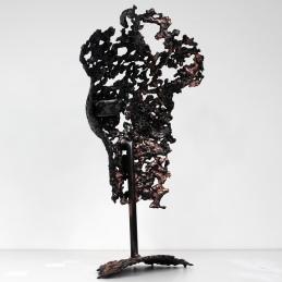 Sculpture représentant un buste de femme en métal : dentelle de cuivre et d'acier Pavarti Chypre Pièce unique