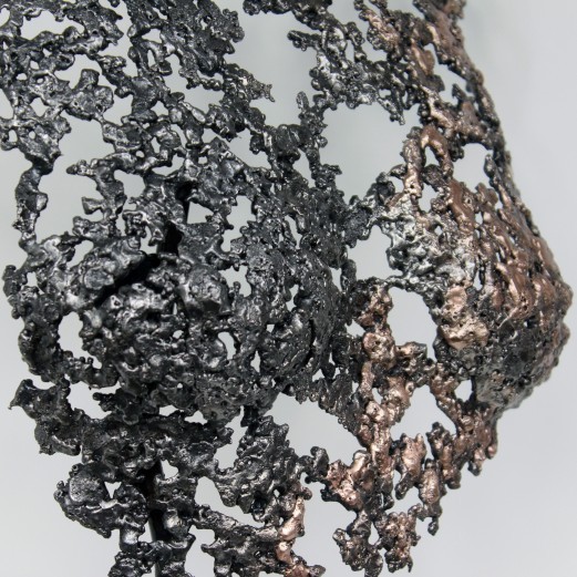 Sculpture de Philippe Buil en metal : dentelle de bronze et d'acier Buste de Femme Belisama Olly Piece unique