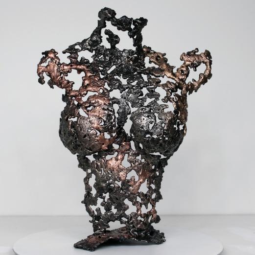 Sculpture représentant le corps d'une femme en métal : dentelle de bronze et d'acier Pavarti Orme Hauteur 55 cm Pièce unique, signée, accompagnée de son certificat d'authenticité