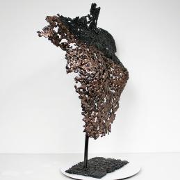 Sculpture de Philippe Buil en metal : dentelle de bronze et d'acier Buste de Femme Belisama Objection Piece unique