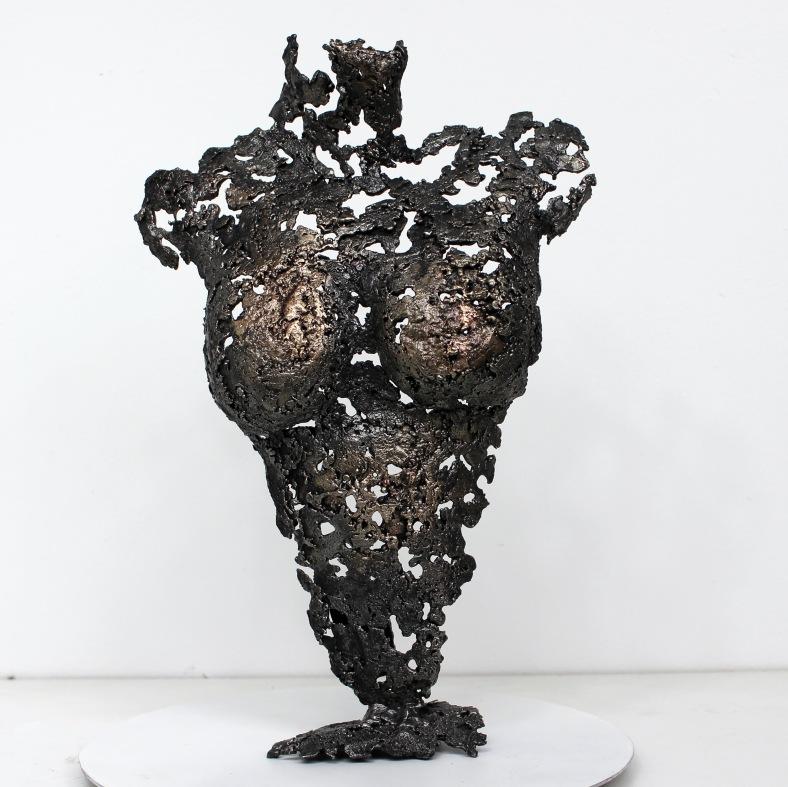 Pavarti Occitane - Sculpture Philippe Buil - Corps de femme meta
