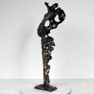 Sculpture représentant le corps d'une femme en métal : dentelle de d'acier, de bronze et de verre glass Pavarti Poppy Pièce unique