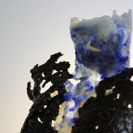 Sculpture représentant le corps d'une femme en métal : dentelle de d'acier et de verre glass Pavarti Ocean Pièce unique