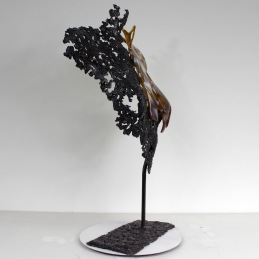Sculpture de Philippe Buil en metal et verre: dentelle acier et verre lace of steel and glass Buste de Femme Belisama La Guepard Piece unique