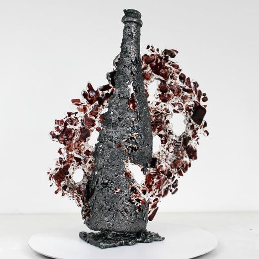 Sculpture de Philippe Buil en metal et verre (steel and glass): dentelle acier et verre Série Bouteille de Champagne bottle of Champagne Piece unique