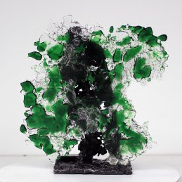 Sculpture de Philippe Buil en metal et verre (steel and glass): dentelle acier et verre Série bombe spray vert Piece unique Sculpture by Philippe Buil in metal and glass (steel and glass): lace steel and glass Series spray bomb green Single piece