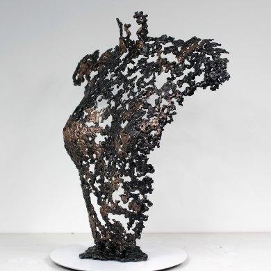 Sculpture de Philippe Buil en metal : dentelle acier bronze Buste de Femme Belisama un jour Piece unique Sculpture by Philippe Buil in metal: lace steel bronze Bust of the Woman Belisama a day Unique Piece