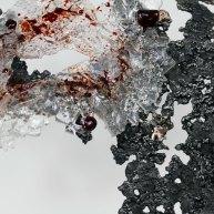 Sculpture de Philippe Buil en metal : dentelle acier bronze verre Buste de Femme Belisama rouge carmion Piece unique Sculpture by Philippe Buil in metal: lace steel bronze glass Bust of the Woman Belisama red carmine Unique Piece