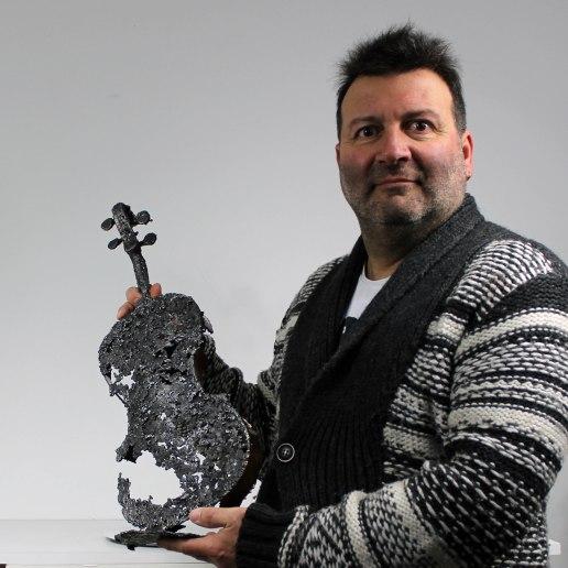 instrument de musique violon - Sculpture Philippe Buil - bronze