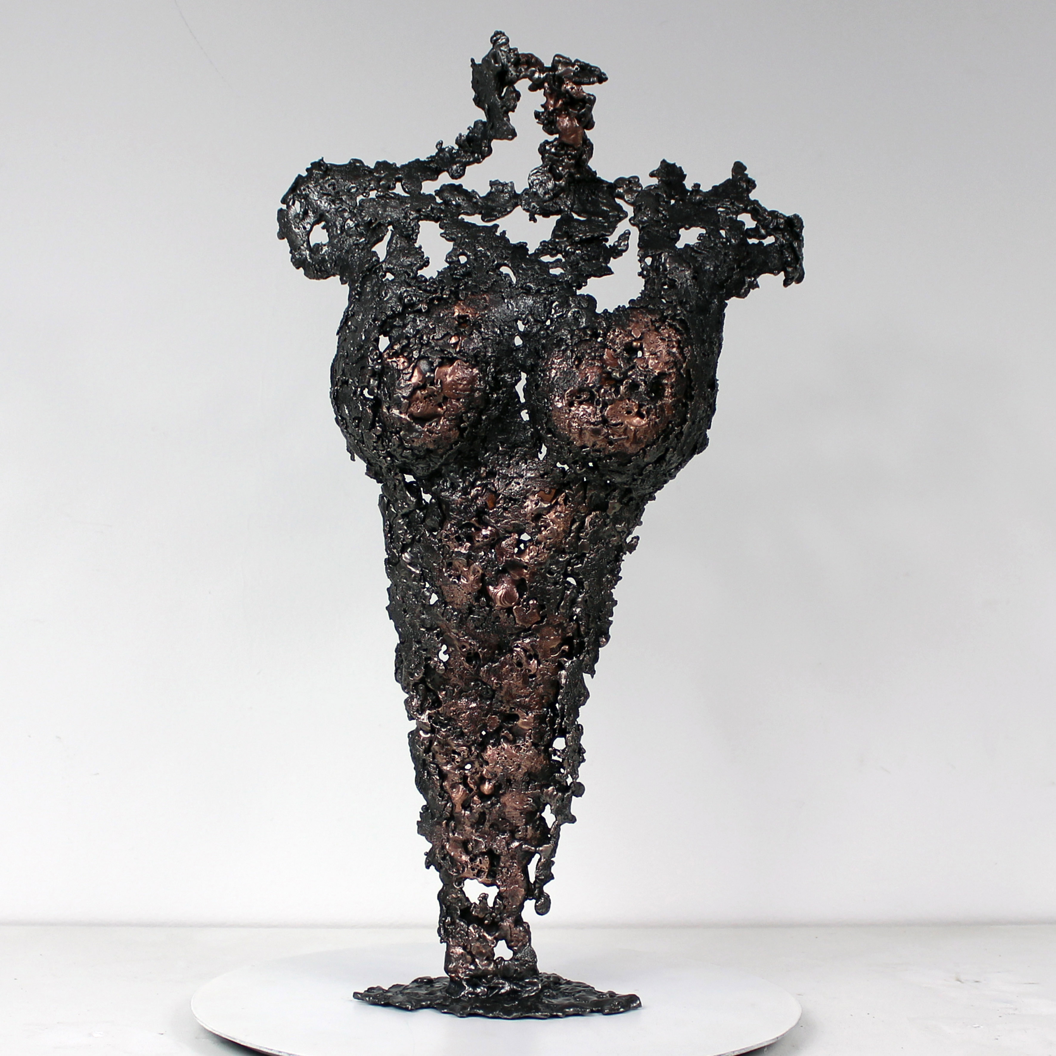 Pavarti Andréa - Sculpture corps femme métal Philippe Buil